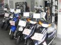 備後地区で唯一のヤマハスポーツバイクのショールームです。ヤマハの新車・試乗車を多数展示しています。また販売のみでなく、修理面でもサポート体制は万全。福山市内を中心にバイクファンの皆さんをフルサポートいたします。