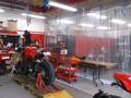 認証工場完備。最新の設備でお客様の大切な愛車を丁寧に整備いたします。