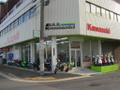 堺市の南海本線七道駅の駅前にあり、近くには阪神高速堺線の住之江出入口、湾岸線の三宝出入口があり、アクセスが非常に便利です。もちろん駐車場もありますので、店内をゆっくりとご覧いただけます。