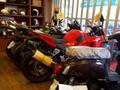 人気の250ccスポーツ!当店の中古車は店長自ら厳選して仕入れた中古車ばかり♪綺麗に仕上げてますよ。