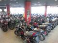新車館!!126cc以上のオーバイの在庫を展示しています。見て触れて新型バイクを体感して下さい。